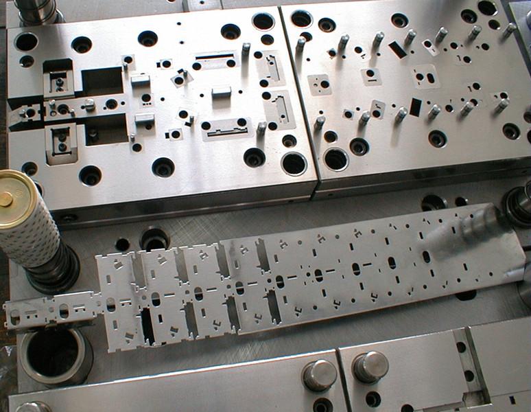 冲压模具磨损维修加工厂家 第1张