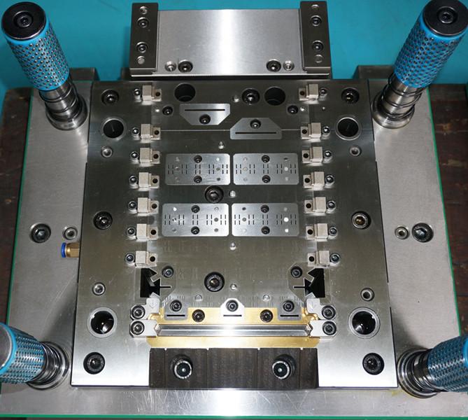 连接器模具损坏维修加工厂家 第1张